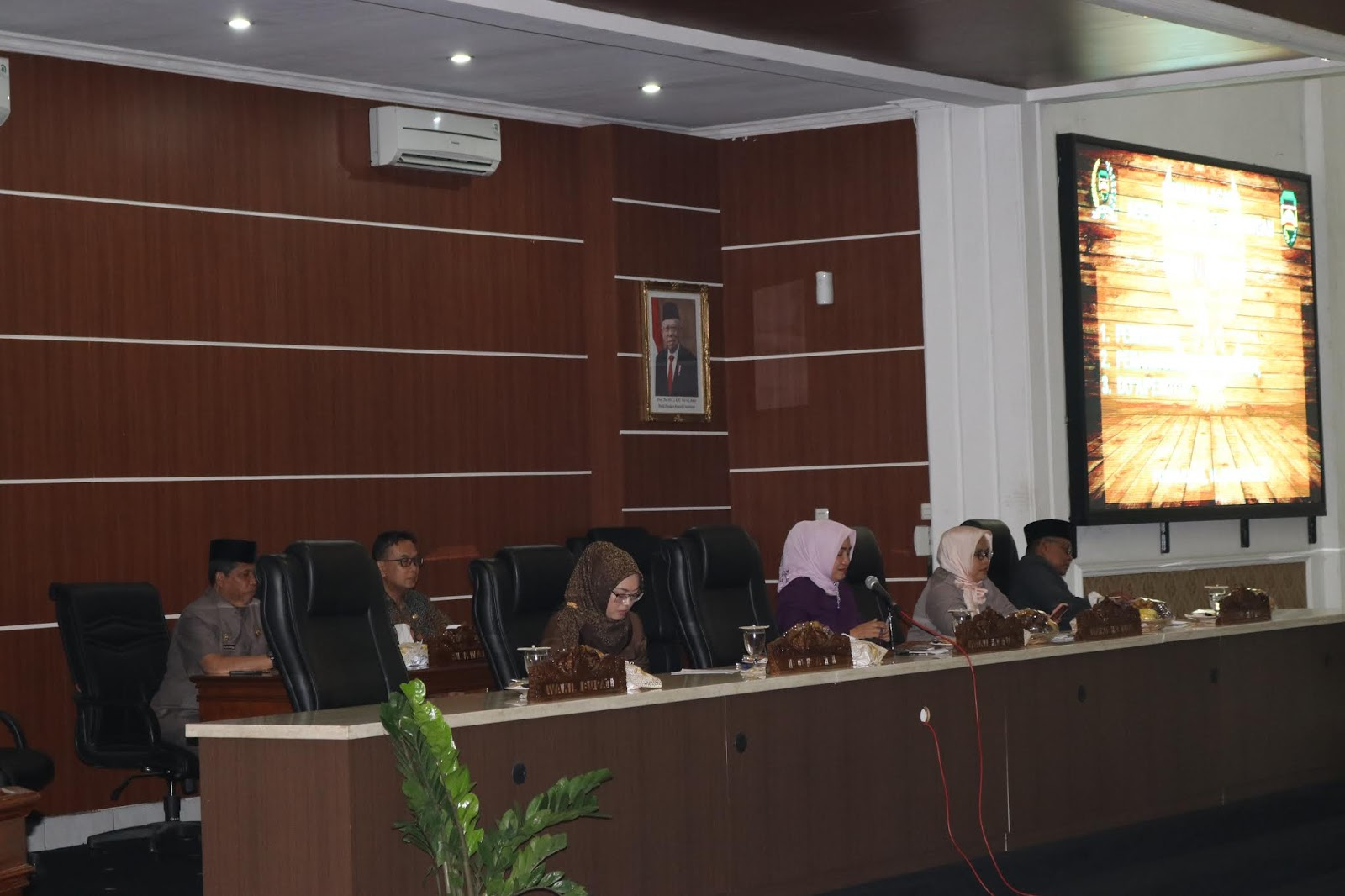 DPRD Purwakarta Terima 2 Raperda Usulan Bupati