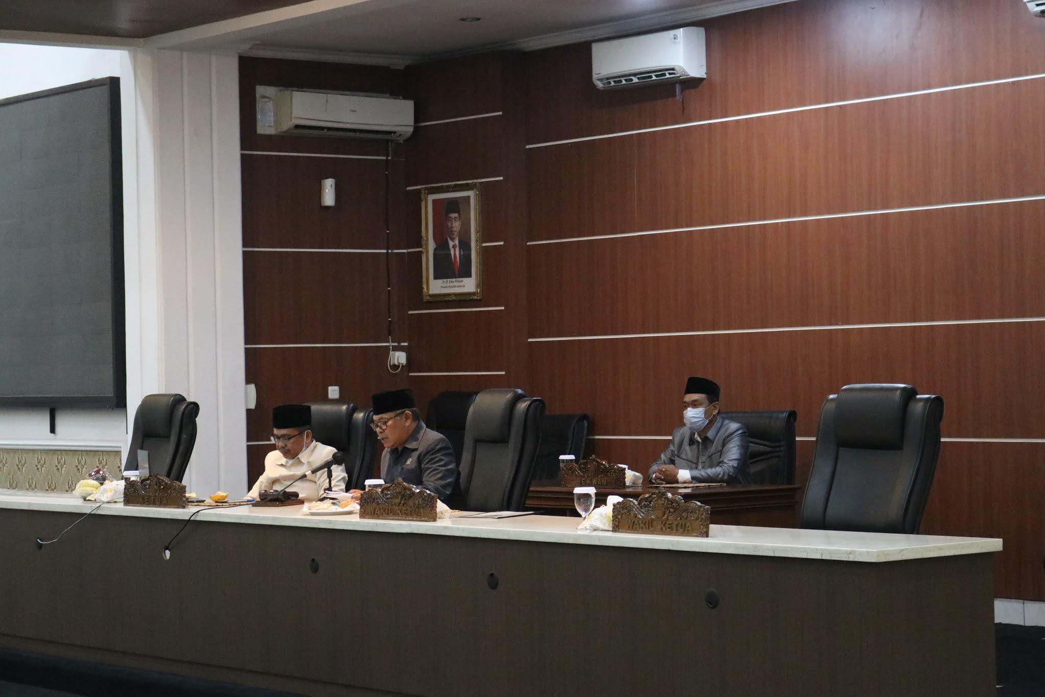 12 Raperda Usulan Bapemperda dan  Rencana Kerja Usulan Banmus DPRD Tahun 2021