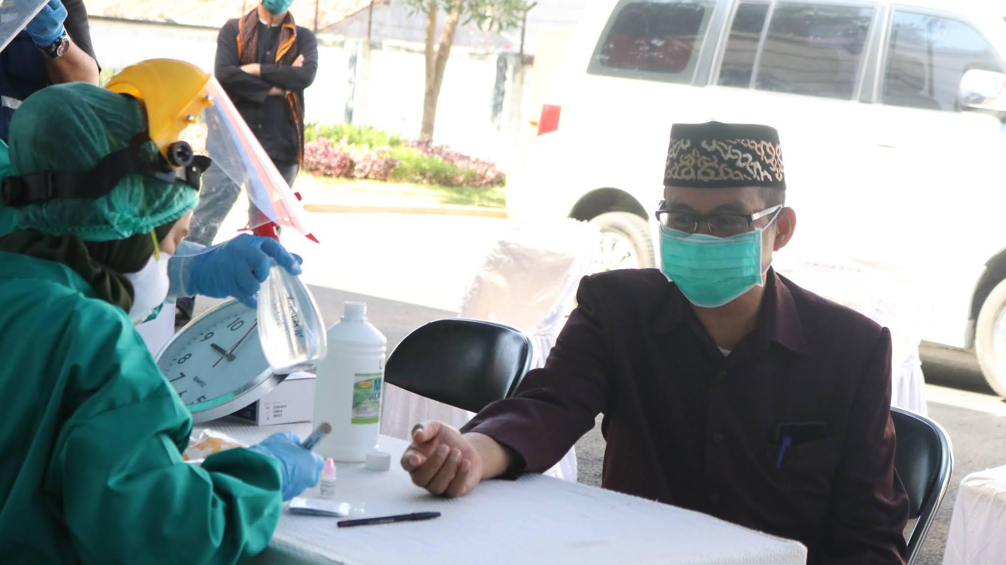 Anggota DPRD dan Pegawai Setwan  Ikuti Rapid Test