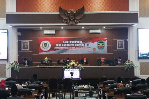 Rapat Paripurna DPRD Purwakarta  Mendengarkan Pidato Kenegaraan Presiden